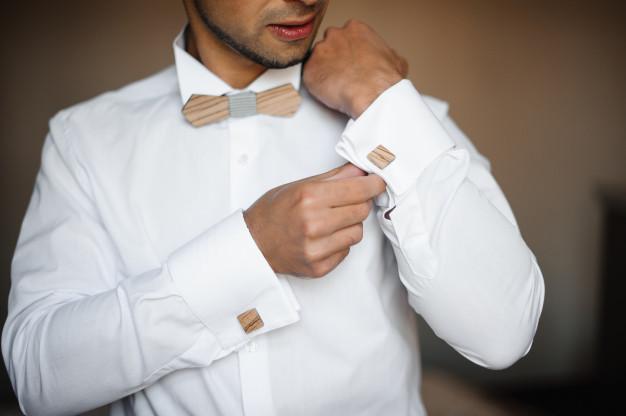Quelle chemise pour un nœud papillon en bois ?